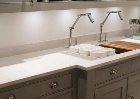 Plumber in Rosanna helps you choose the right sink